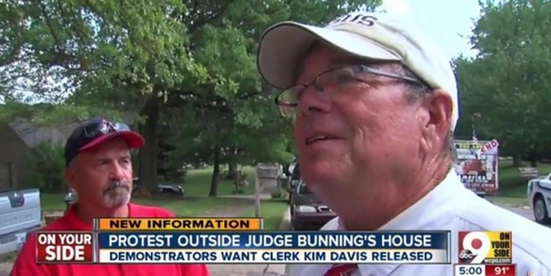 Flip Benham, other Charlotte-area anti-gay extremists flock to defend Kim Davis
